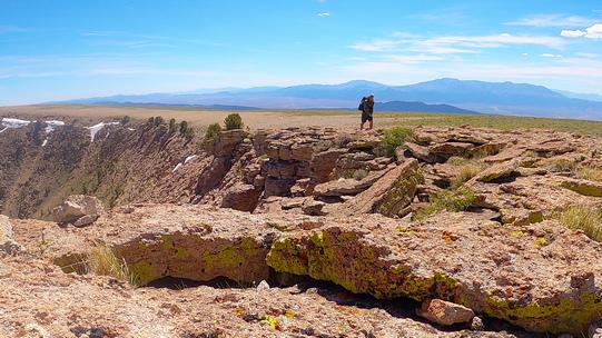 thru hiker in the table mountain wilderness, monitor range